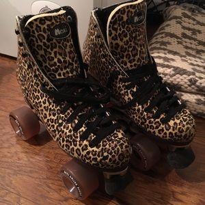 Shoes - Moxi Chettah Print Roller Skates